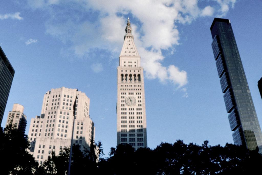 Les horloges de la Metropolitan Life Tower : une création massive