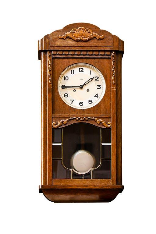 Histoire de l'horlogerie partie V : la naissance de l'horloge à pendule