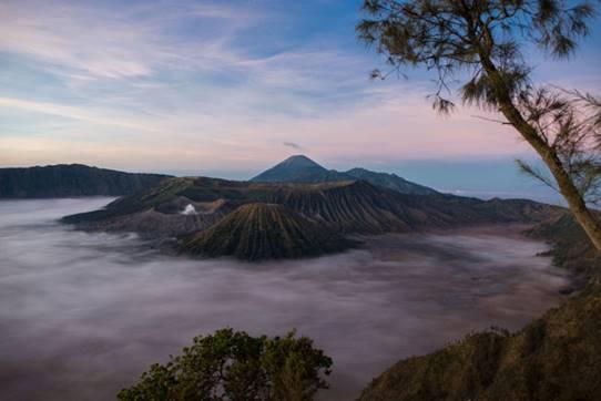 Le volcan Bromo du point de vue le plus iconique de l'Indonésie