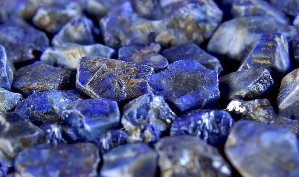 Caractéristiques et gisements du lapis-lazuli