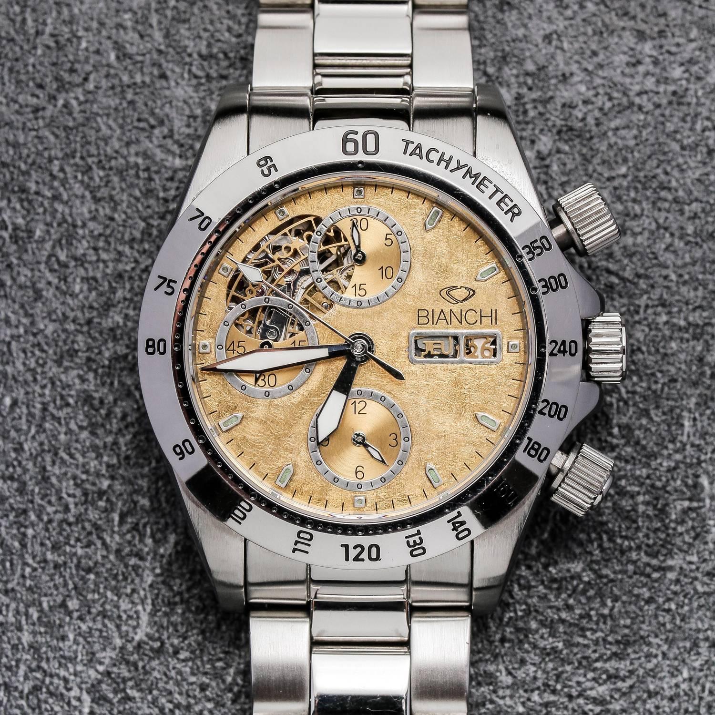 C'est au cours du XIXème siècle qu'est développé le chronographe | Photo : Montre chronographe Bianchi