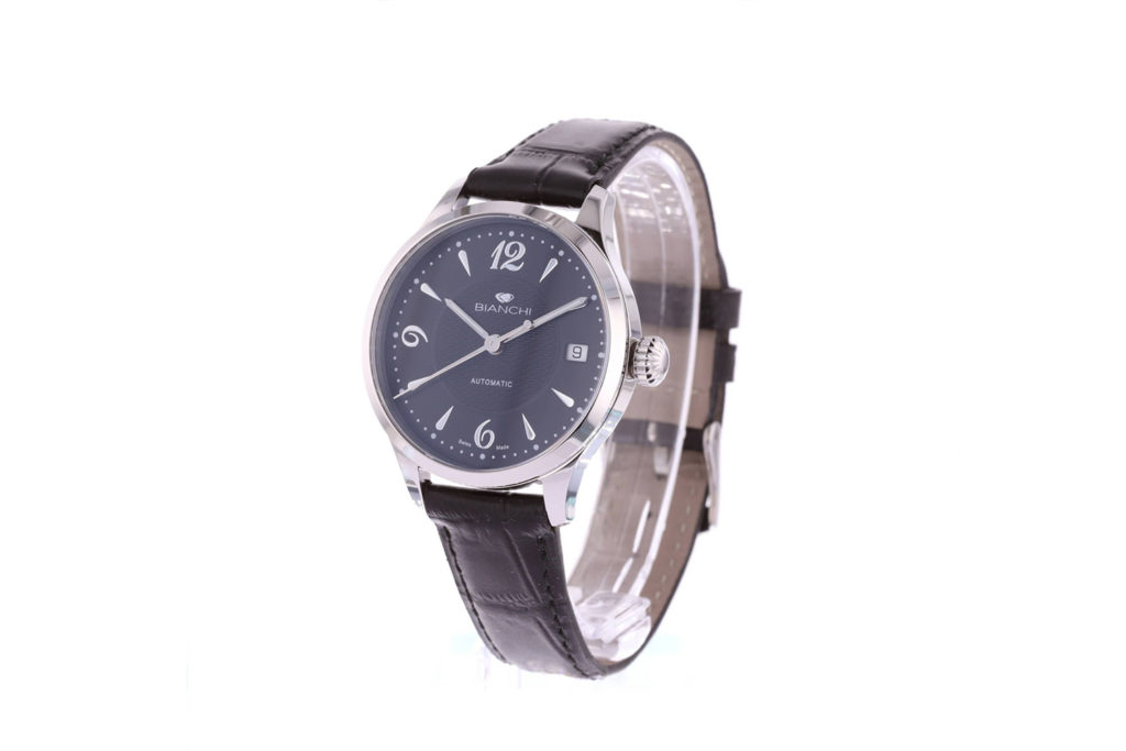 Pourquoi les montres en exposition sont-elles positionnées sur 10h10 ?