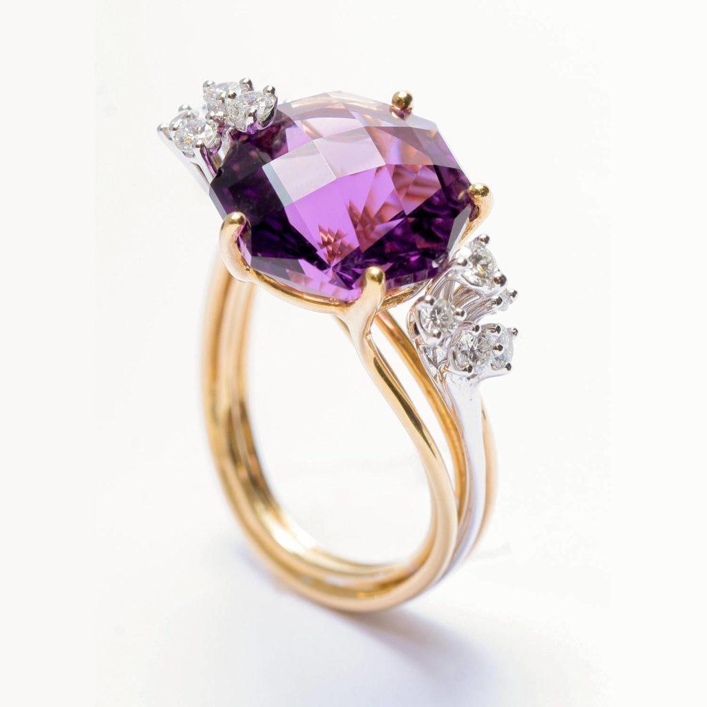 L'améthyste se caractérise par sa ravissante couleur violette