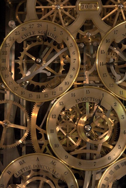Zoom sur le comput ecclésiastique réalisé par Jean-Baptiste Schwilgué dans l'horloge astronomique de Strasbourg | Source photo